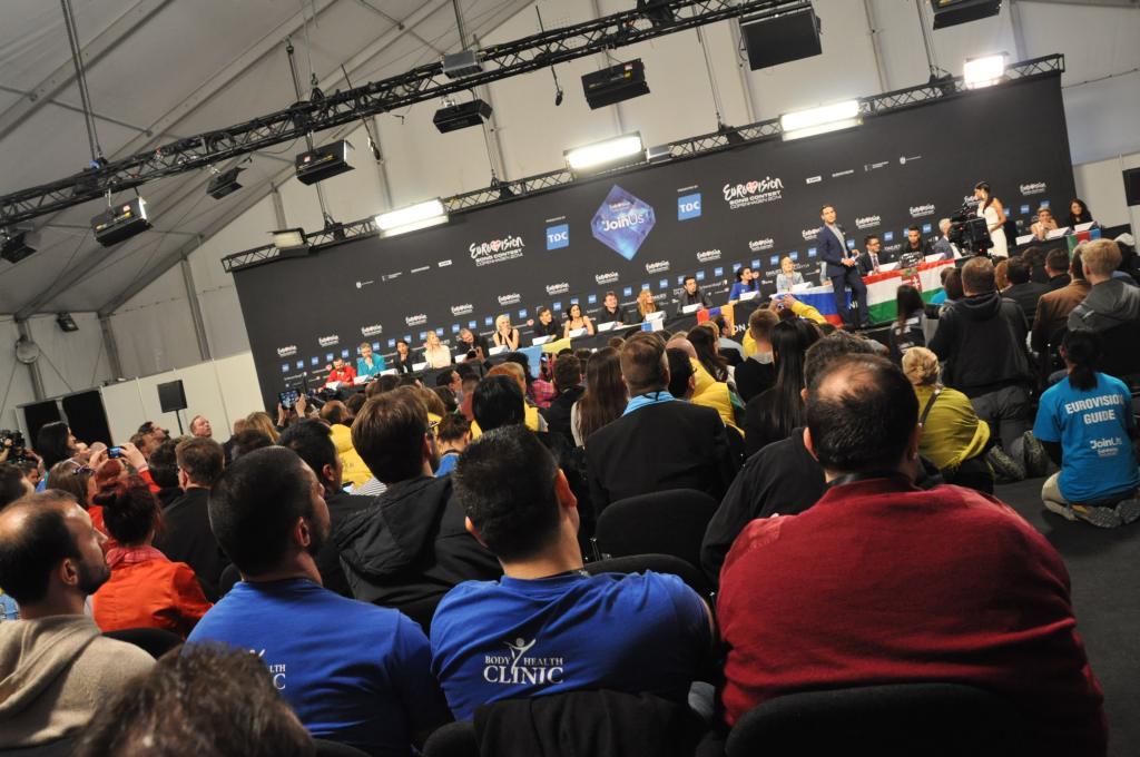 Fullt hus på presskonferensen. Foto: Linda Granback